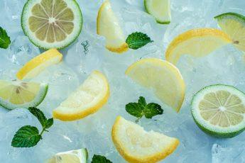 dolci fette ghiacciate di limone