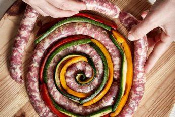 ruota di salsiccia con verdure